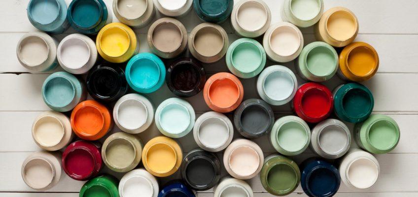 Jak dobrać kolor farby do mebla